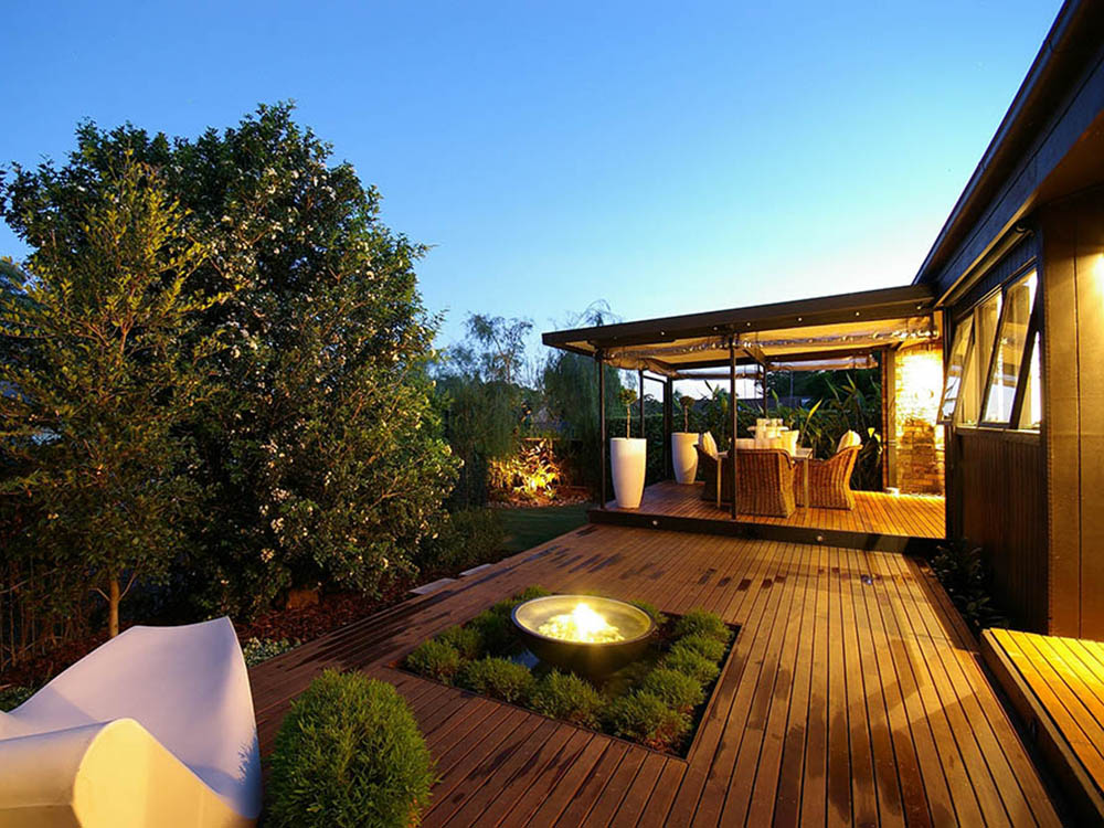 Outdoor Deck Renovations : The most important home renovations for your comfort